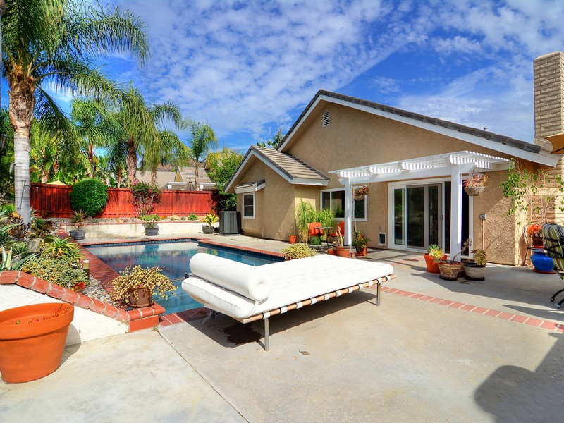 Single Family Home for Sale at 715 Oak Point Dr Oak Park, California 91377 United States