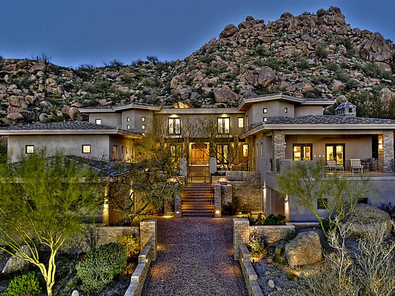 独户住宅 为 销售 在 Hillside Masterpiece in Estancia 27771 N 103rd Place Scottsdale, 亚利桑那州 85262 美国