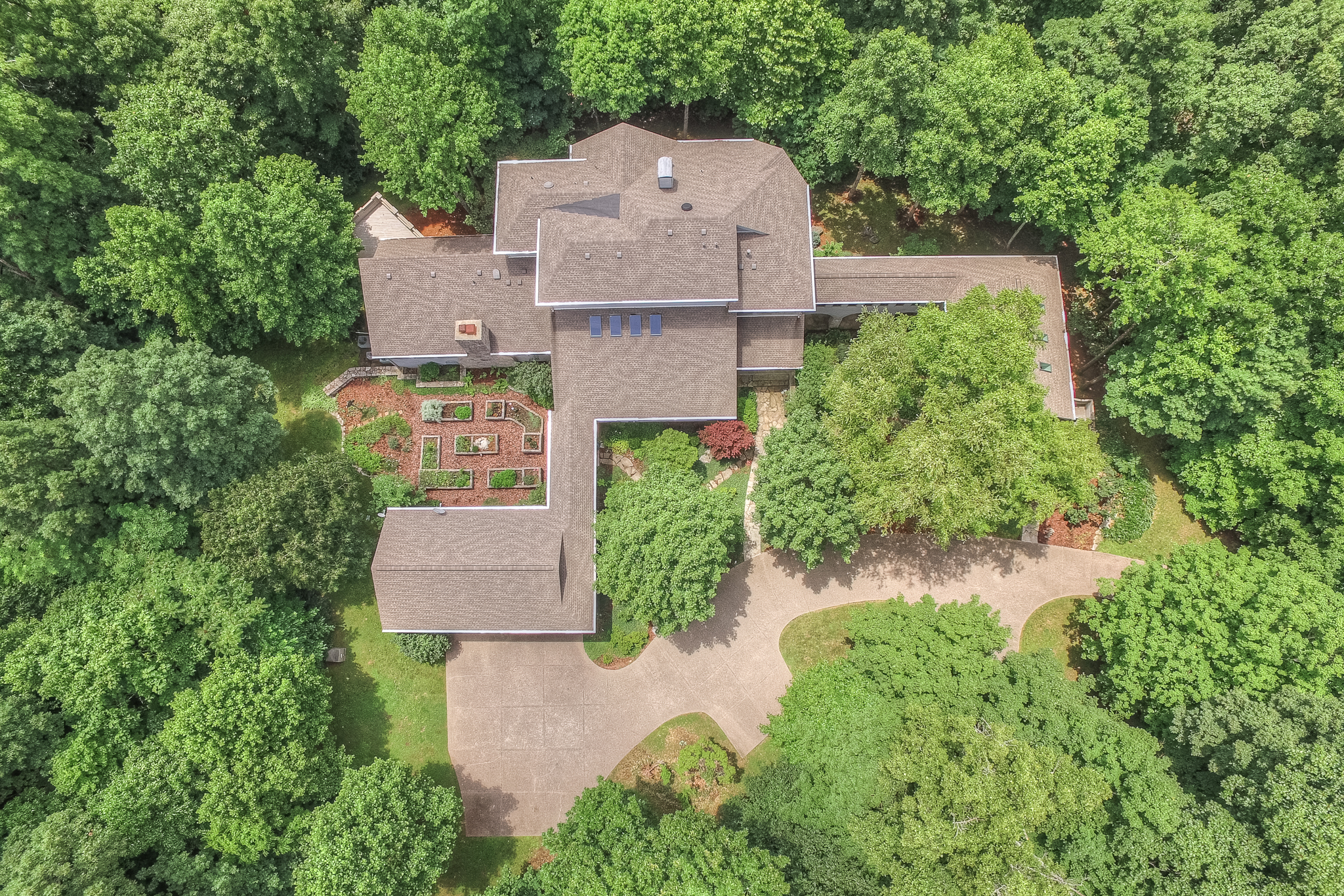 Moradia para Venda às Gracious Gated Sanctuary in Private Setting 7600 Buffalo Road Nashville, Tennessee, 37221 Estados Unidos