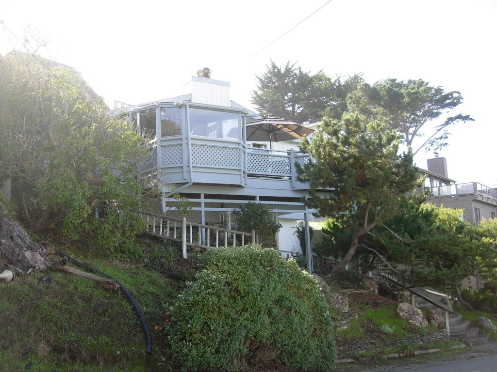 Single Family Home for Sale at Pembrook 488 Pembrook Cambria, California 93428 United States