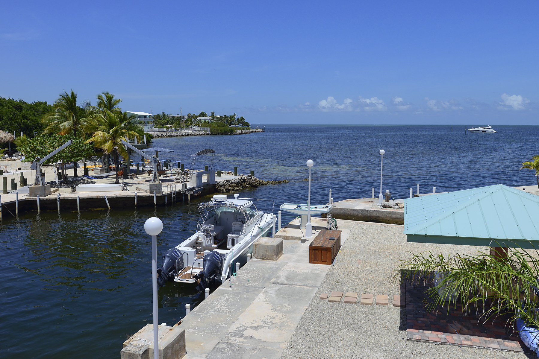 Additional photo for property listing at Sweeping Ocean Views 84 Seagate Blvd Key Largo, Флорида 33037 Соединенные Штаты
