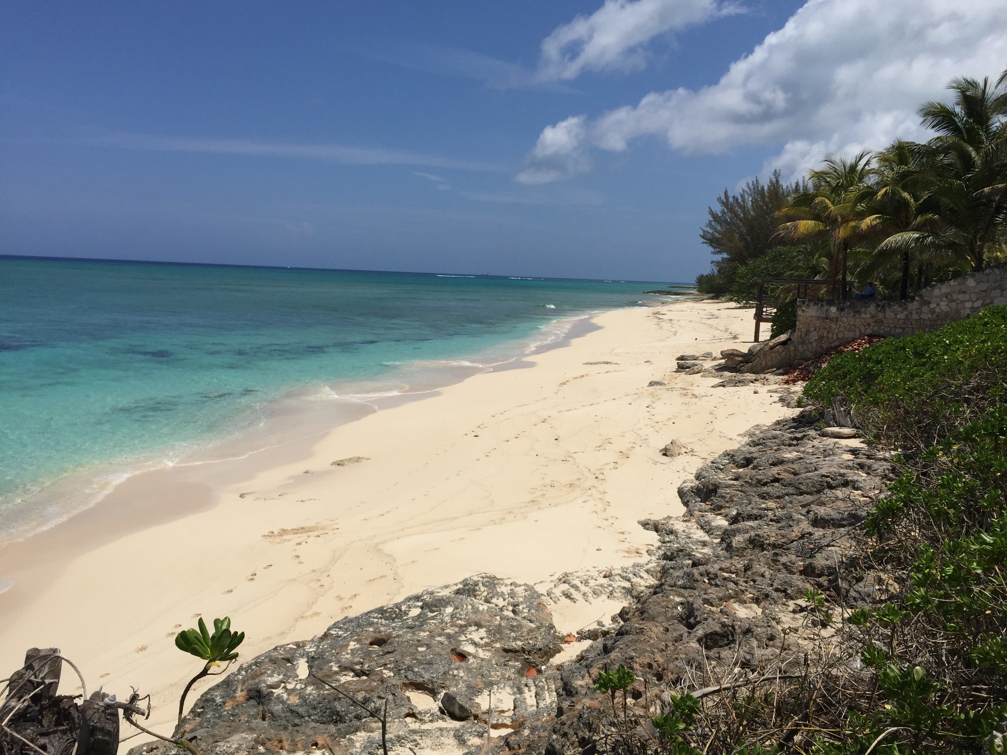Additional photo for property listing at Beachfront Old Fort Lot Old Fort Bay, Nassau And Paradise Island Bahamas