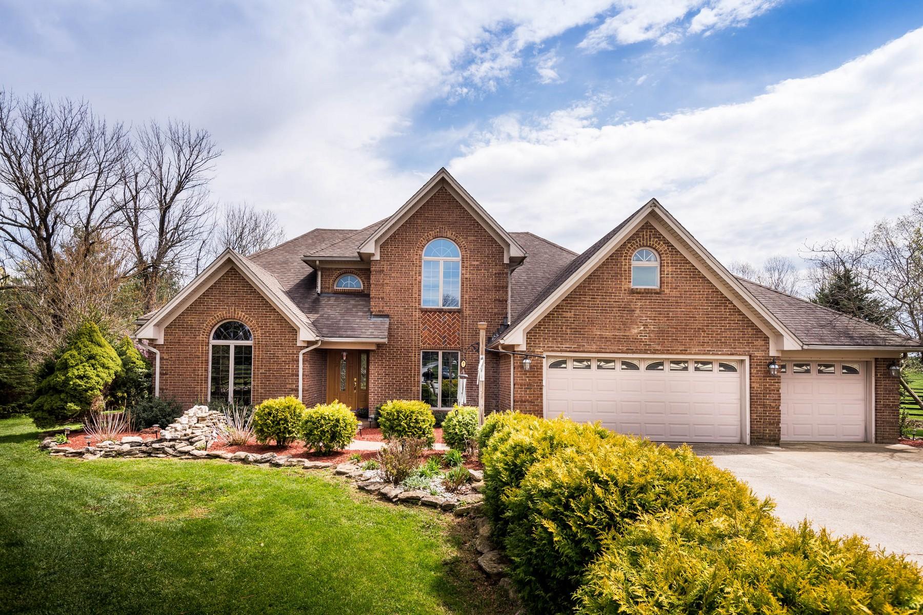 Casa Unifamiliar por un Venta en 2707 Pine Grove Road Paris, Kentucky, 40361 Estados Unidos