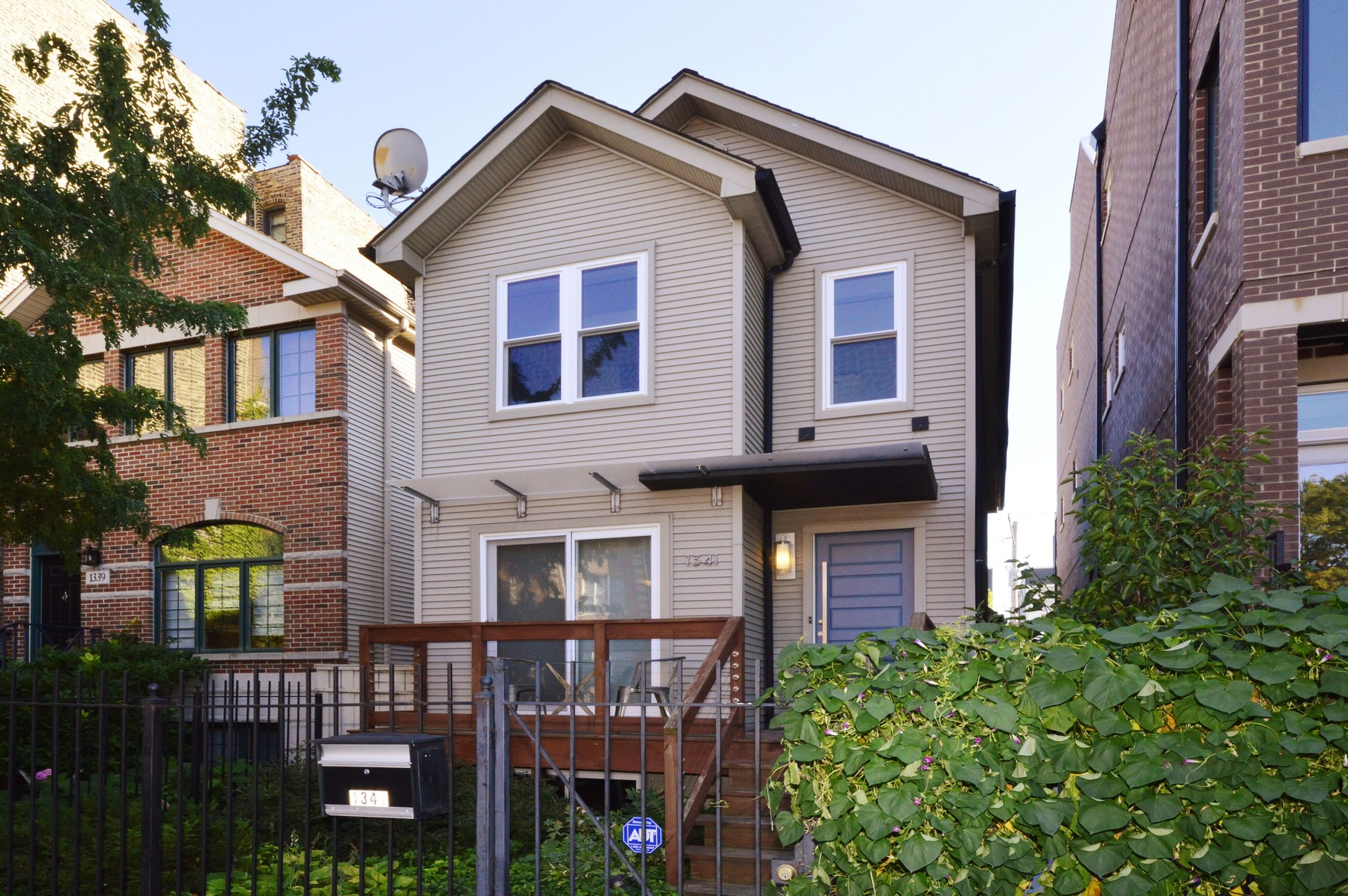 Vivienda unifamiliar por un Venta en Contemporary House in River West 1341 W Huron Street Near North Side, Chicago, Illinois, 60622 Estados Unidos