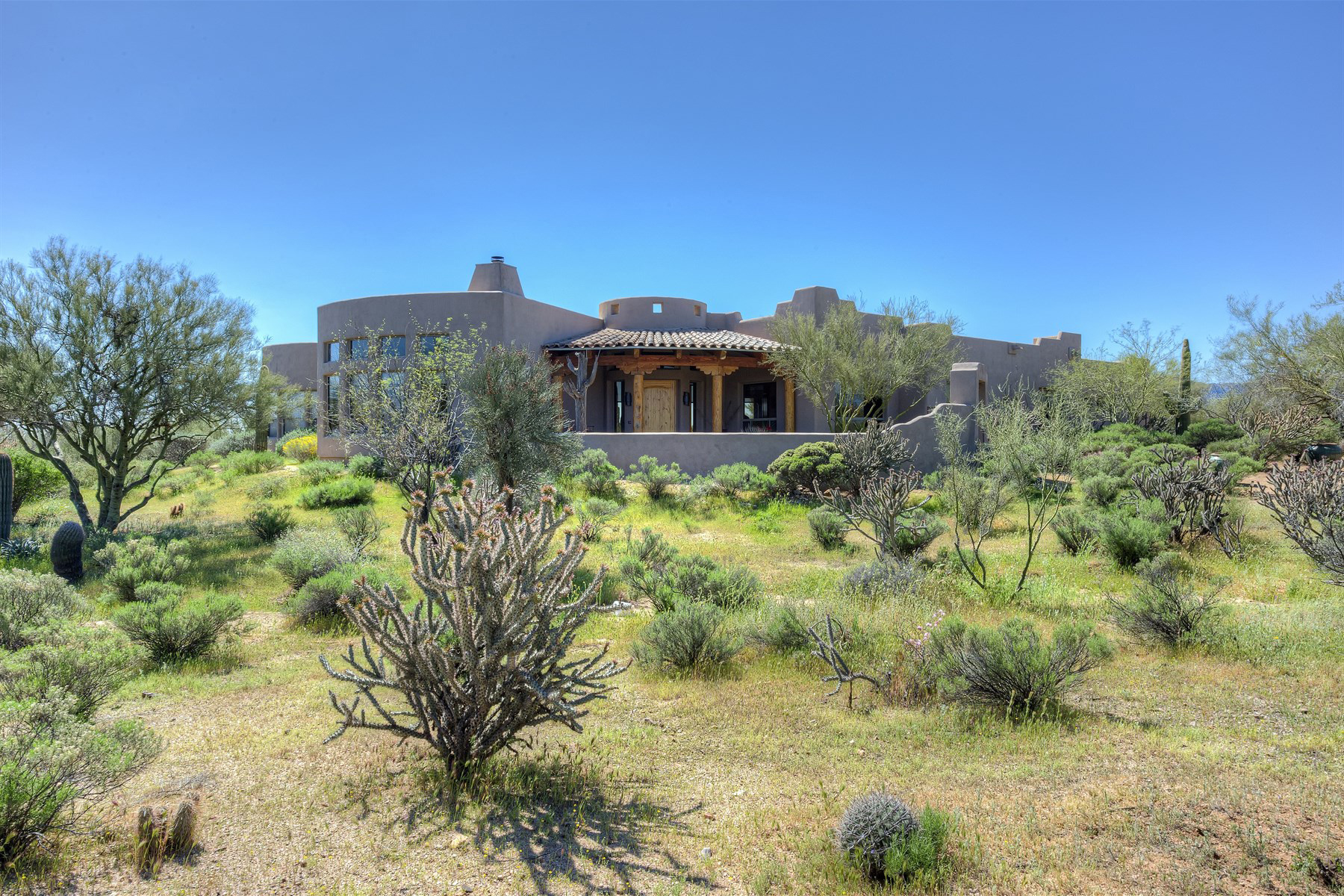 Property For Sale at Beautiful 5 Acre North Scottsdale Equestrian Estate