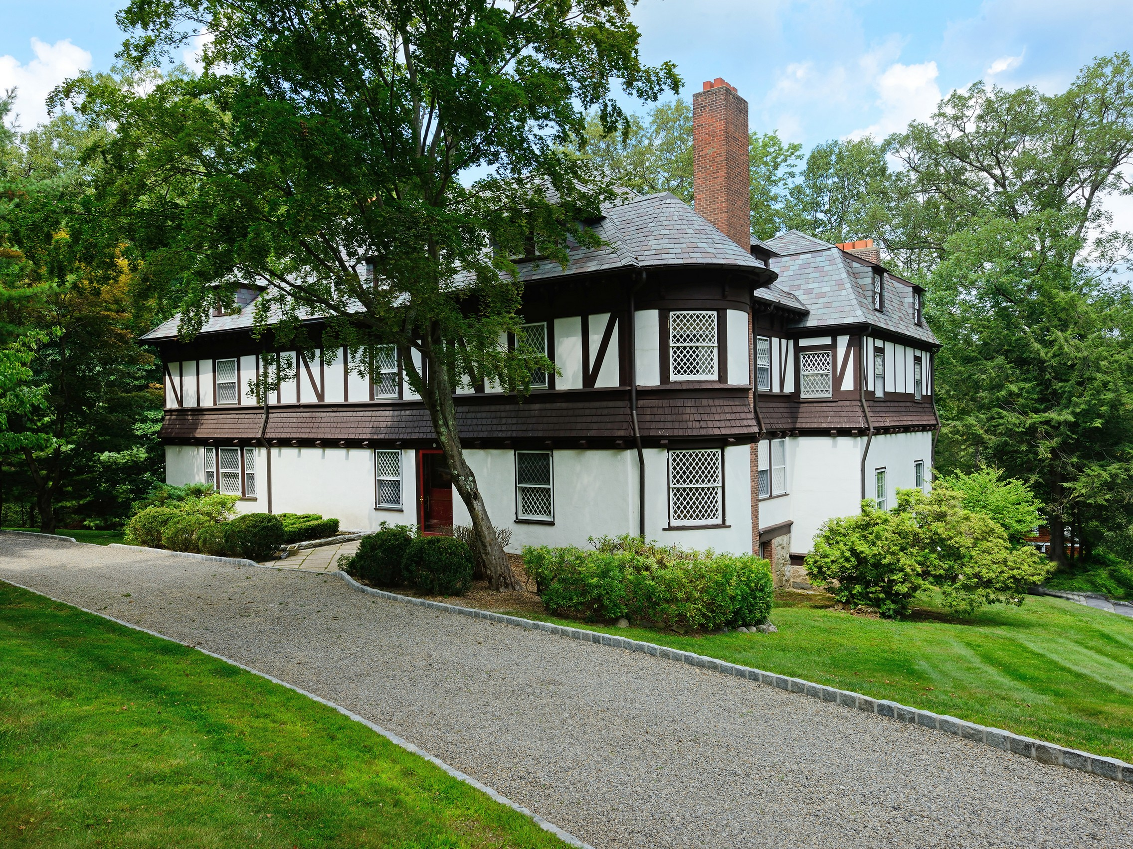 Single Family Home for Sale at Classic Tuxedo Park 4 Ridge Road Tuxedo Park, New York 10987 United States