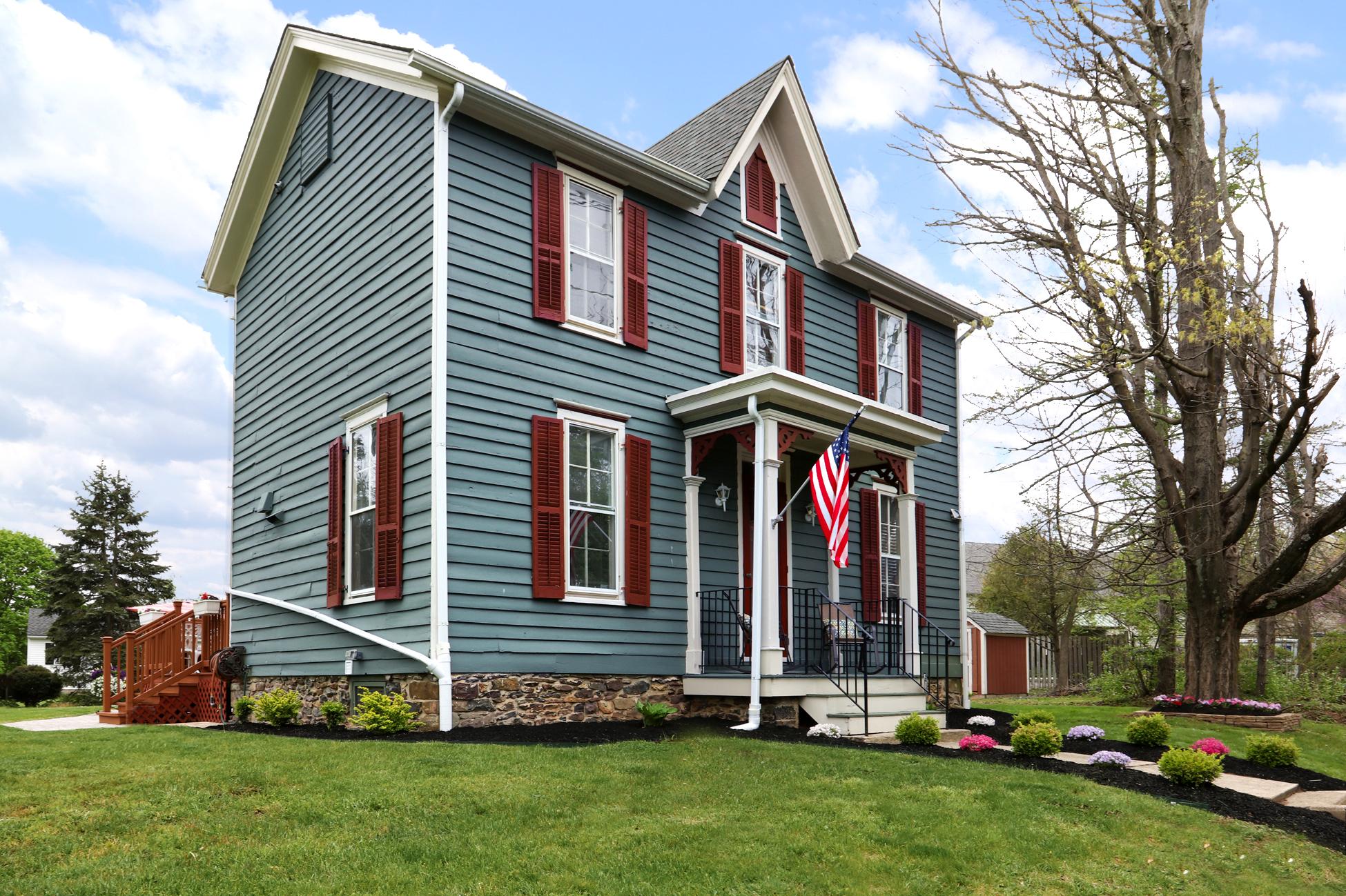 Частный односемейный дом для того Продажа на The Easy Pace Of Country Living - East Amwell Township 5 John Ringo Road Ringoes, Нью-Джерси 08551 Соединенные Штаты