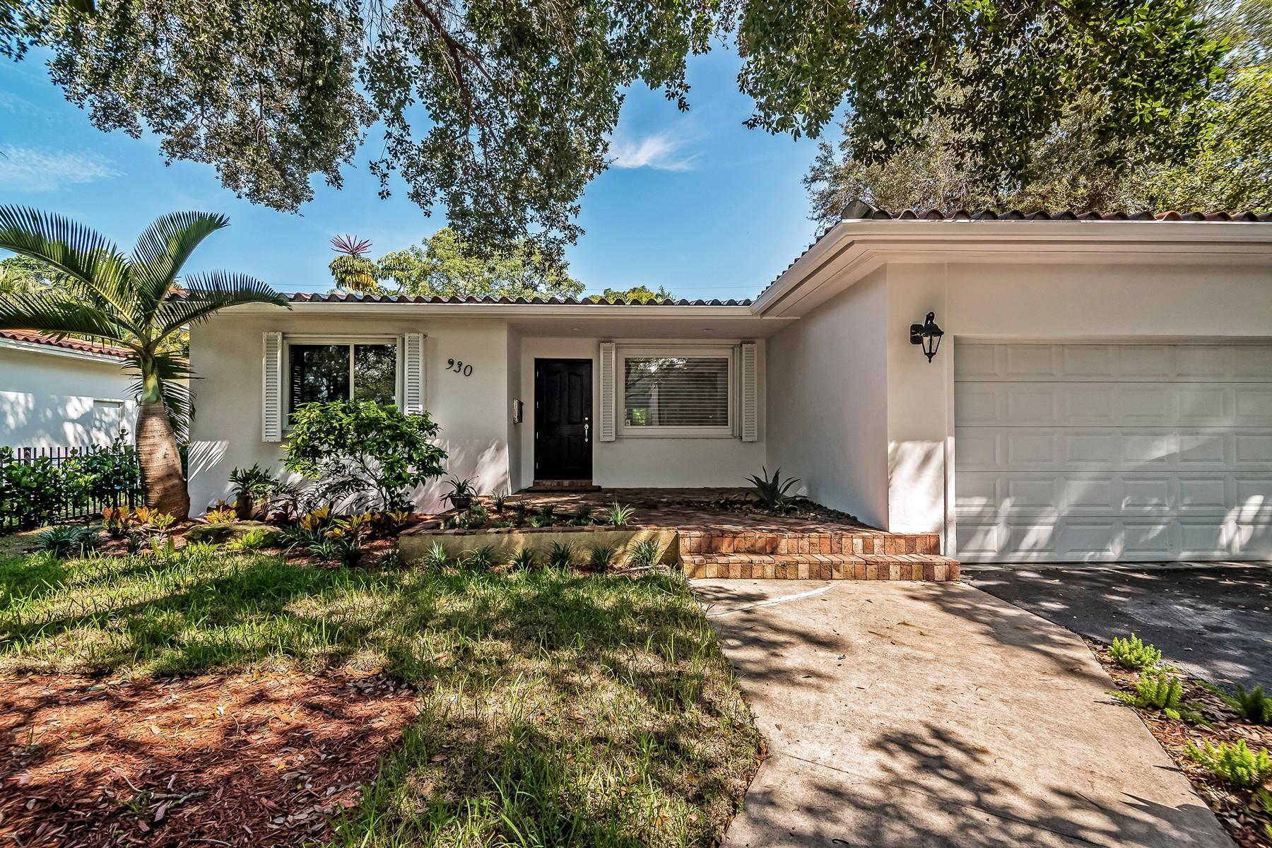 Casa para uma família para Venda às 930 Aguero Ave Coral Gables, Florida 33146 Estados Unidos