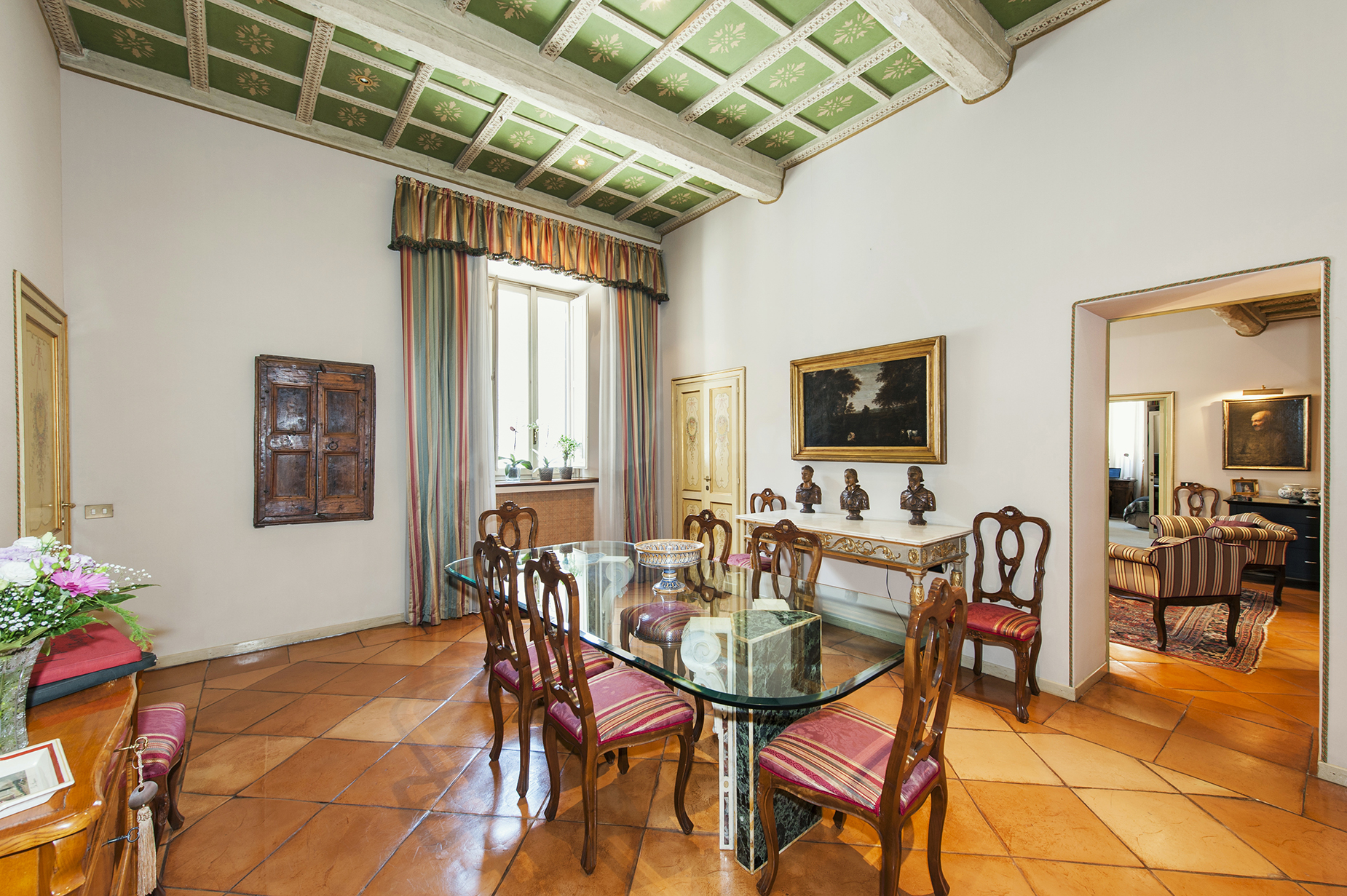 Additional photo for property listing at Prestigious apartment in Via delle Coppelle  Rome, Rome 00186 Italy