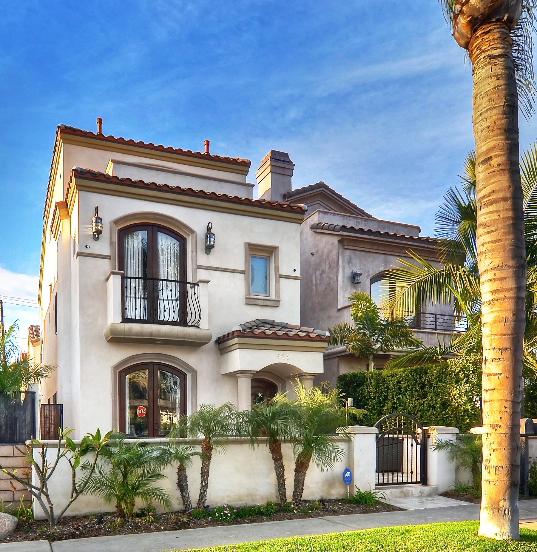 Casa Unifamiliar por un Venta en 525 15th Street Huntington Beach, California 92648 Estados Unidos