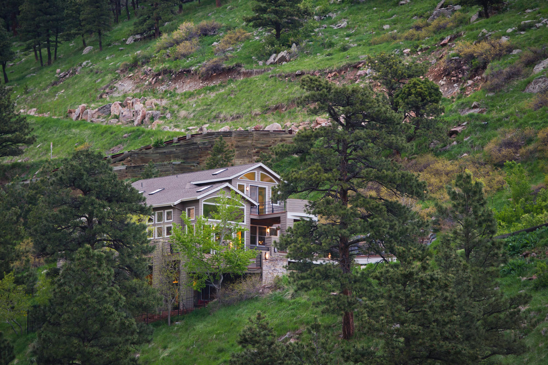 sales property at Idyllic Mountain Views
