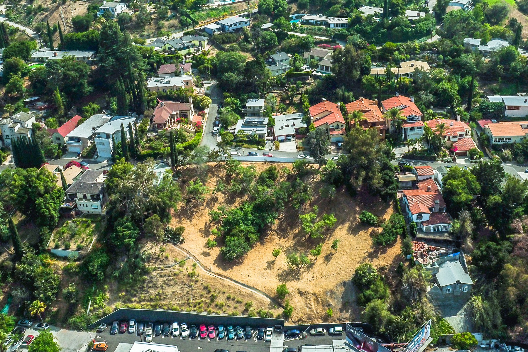 Land for Active at 3400-3416 N. Oak Glen Dr Los Angeles, California 90068 United States
