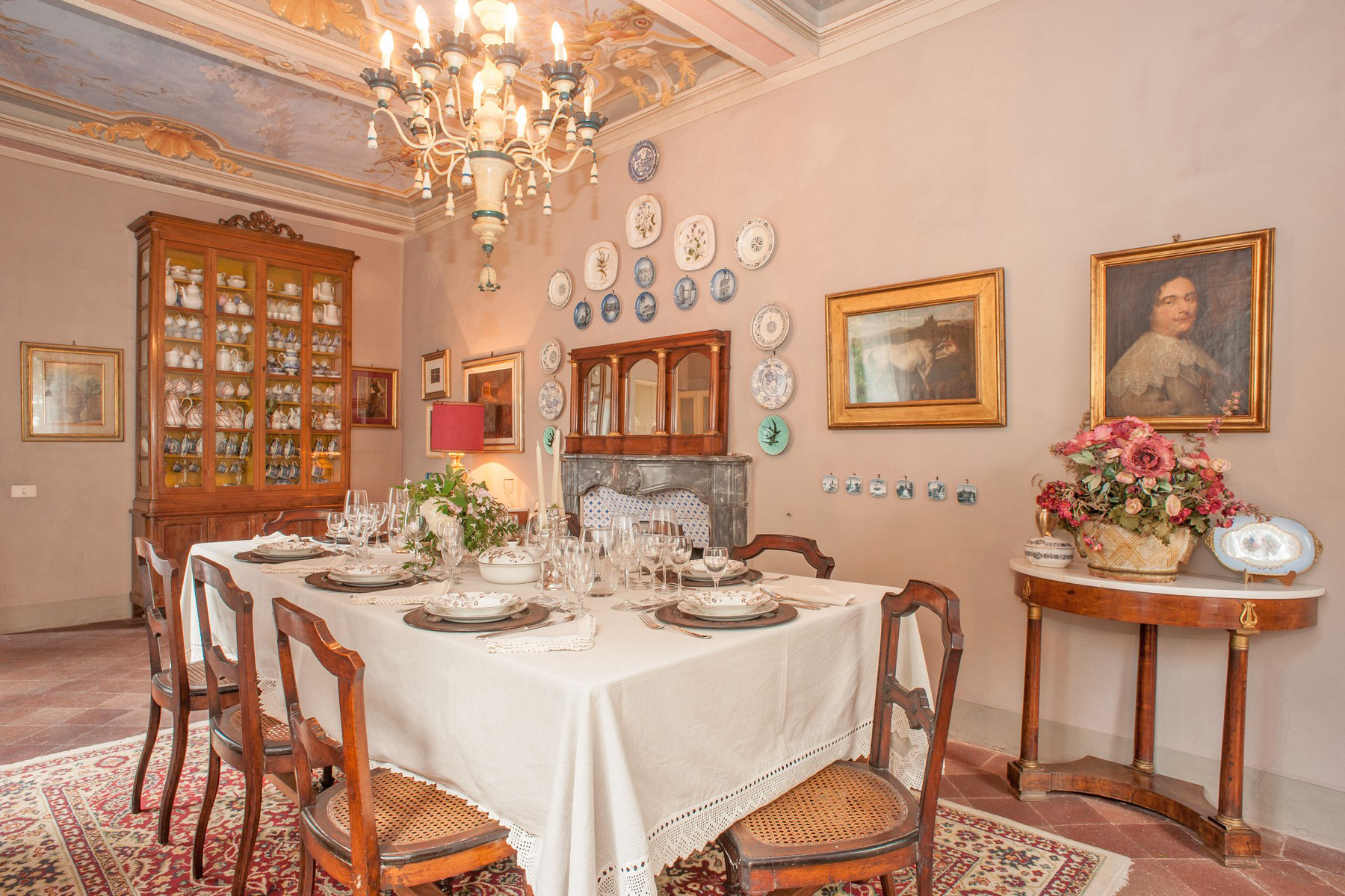 Additional photo for property listing at Beautiful 17th century villa and vineyard for sale near Lucca Capannori, Lucca Italy