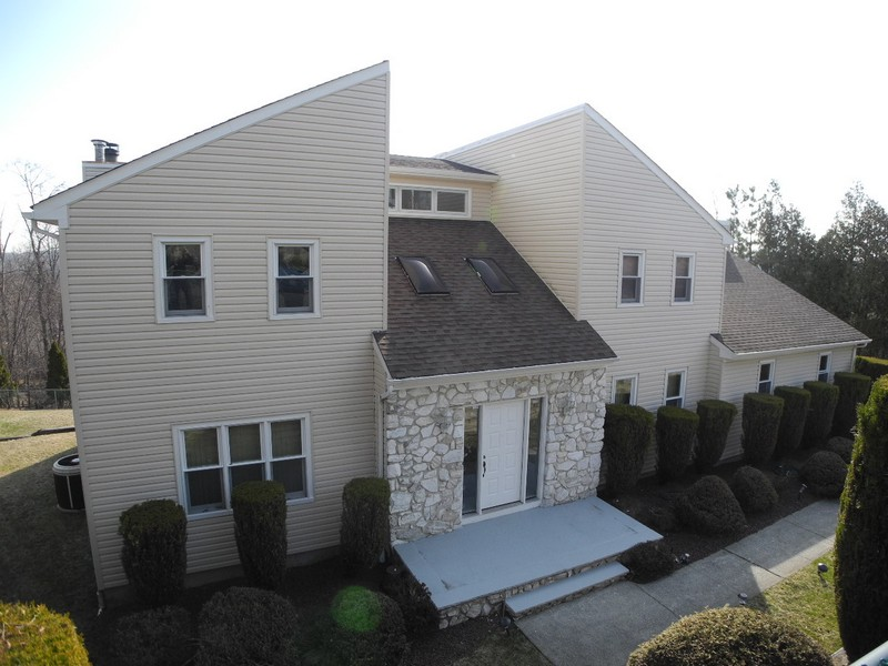 Maison unifamiliale pour l Vente à High Tor Estates 22 Howell Drive Verona, New Jersey 07044 États-Unis