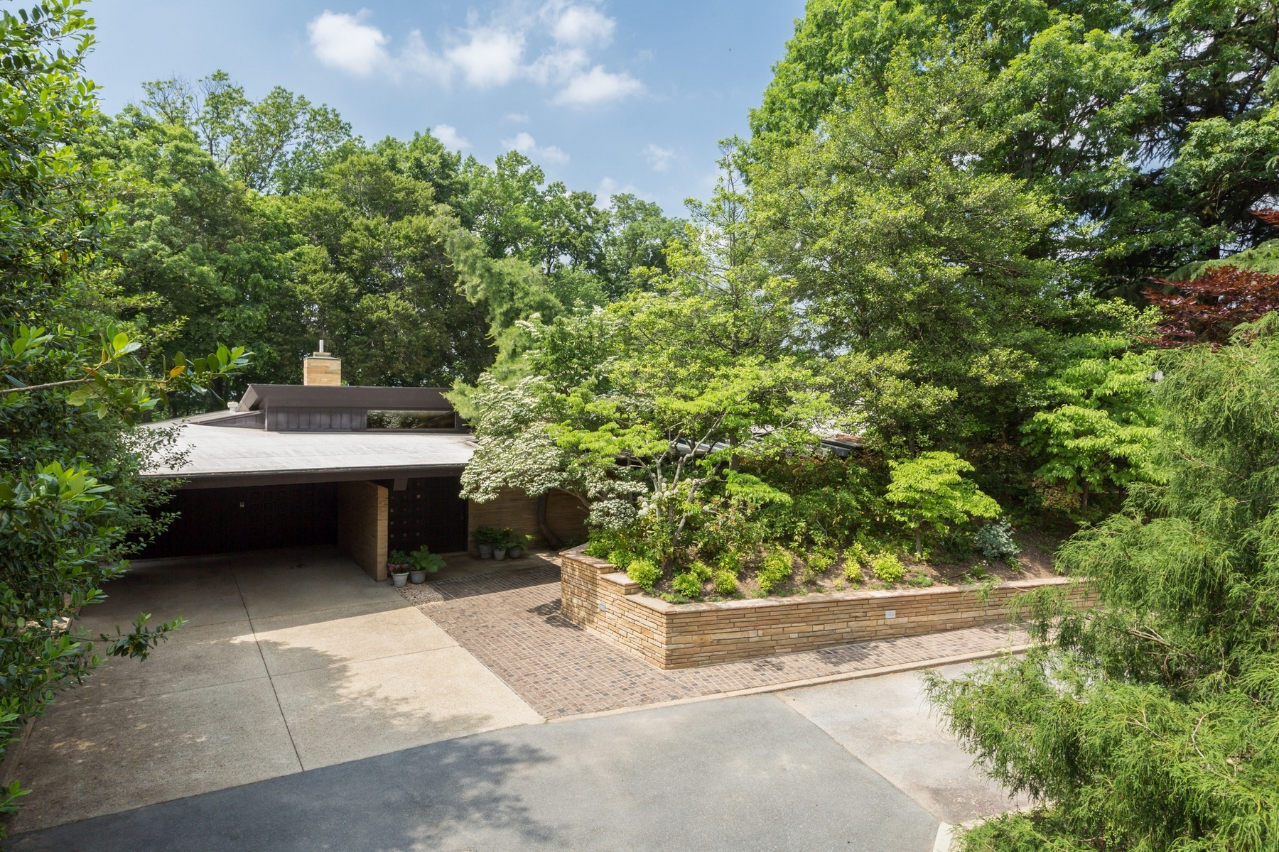 Single Family Home for Sale at Ridgewood Village 7410 Western Ave Chevy Chase, Maryland 20815 United States