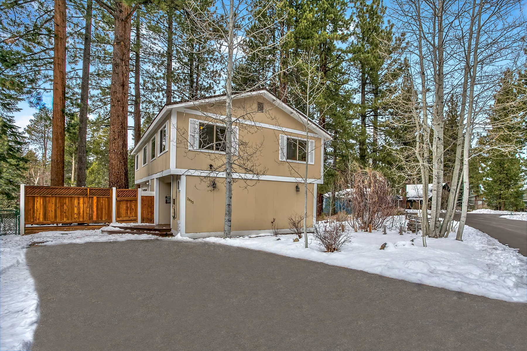 Villa per Vendita alle ore 2853 Springwood Drive South Lake Tahoe, California, 96150 Stati Uniti