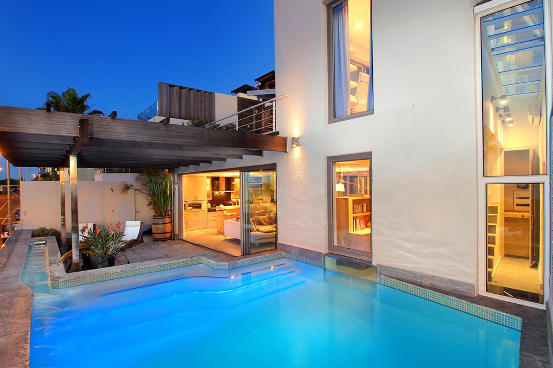 단독 가정 주택 용 매매 에 SLEEK STYLISH HOME FOR THE YOUNG AT HEART Cape Town, 웨스턴 케이프 8005 남아프리카