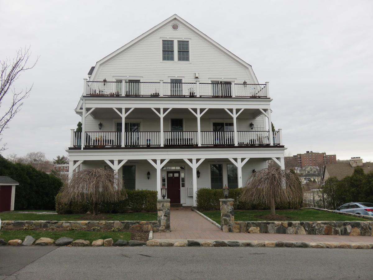 一戸建て のために 売買 アット Waterfront Condominium 2 East Harbor Lane Unit 102 New Rochelle, ニューヨーク 10805 アメリカ合衆国