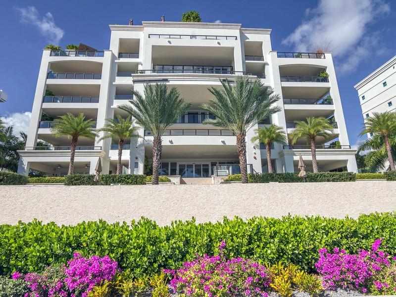 Condomínio para Venda às 3535 Hiawatha Ave #305 Coconut Grove, Florida 33133 Estados Unidos