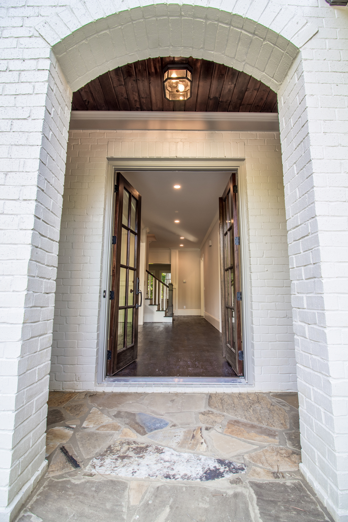 Additional photo for property listing at Brand New With Three Car Garage In The Heart Of CastlewoodBuckhead 3059 Rhodenhaven Drive Atlanta, Georgia 30327 Stati Uniti