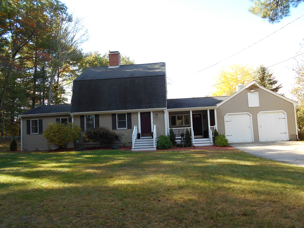 Single Family Home for Sale at Dutch Gambrel Retreat 115 Williams Street Wrentham, Massachusetts 02093 United States
