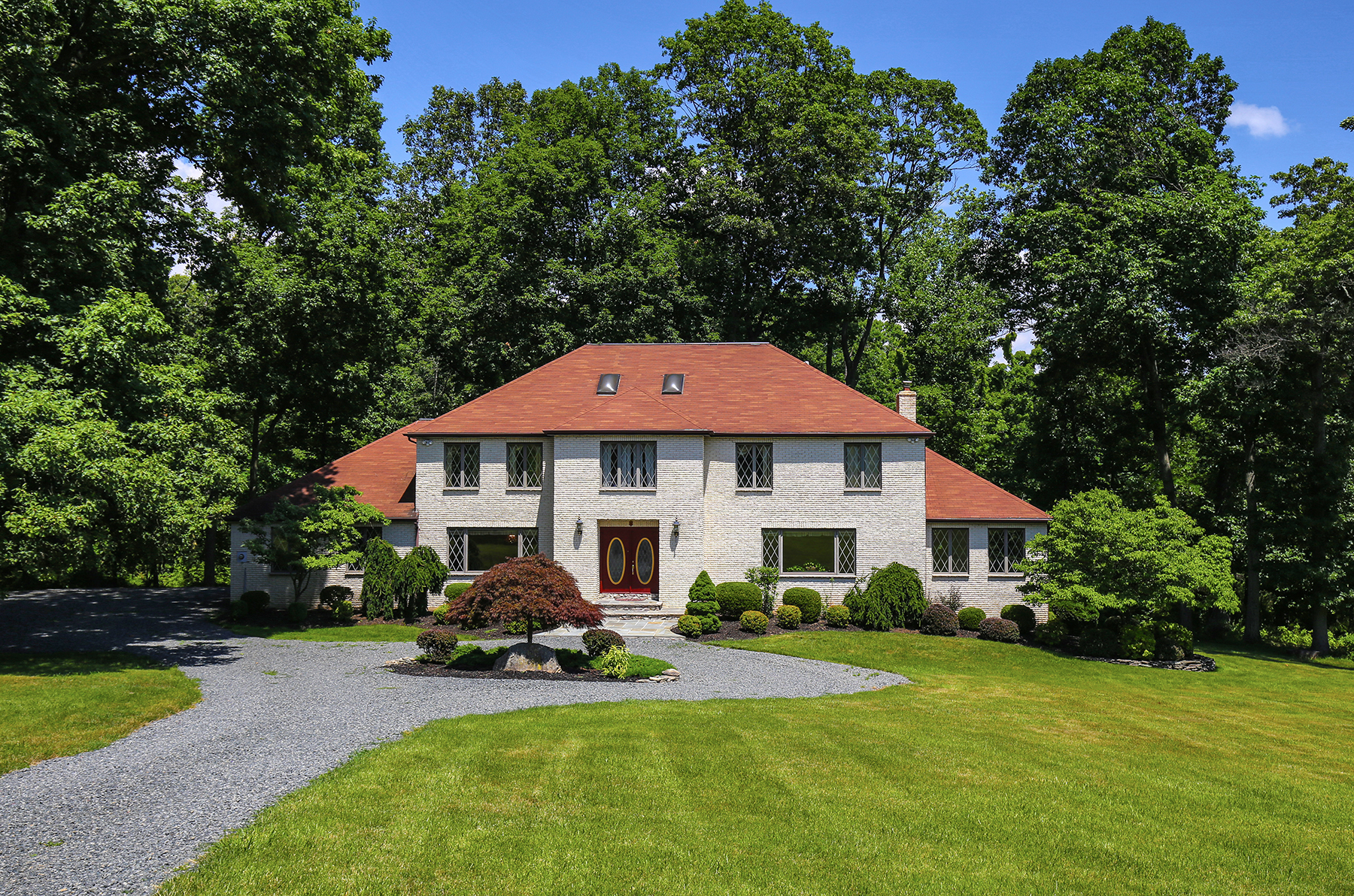 Single Family Home for Sale at Gracious Colonial 67-2 Ballantine Road Bernardsville, New Jersey, 07924 United States
