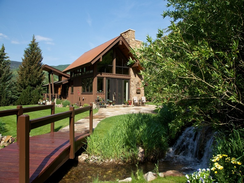 단독 가정 주택 용 매매 에 Private Mountain Estate Abutting National Forest 585 Taylor St Minturn, 콜로라도 81645 미국