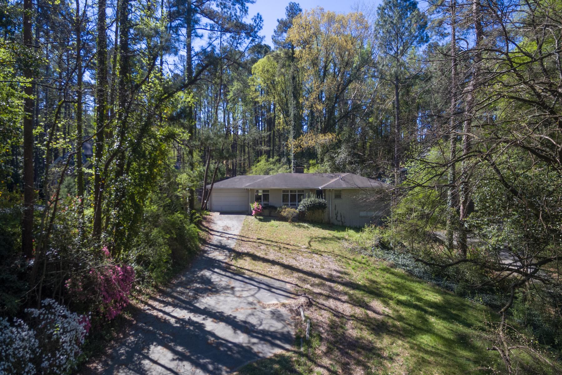 Terreno para Venda às Amazing Opportunity In Heart Of Buckhead for 1.52 Acres 1085 Ferncliff Road NE Pine Hills, Atlanta, Geórgia, 30324 Estados Unidos