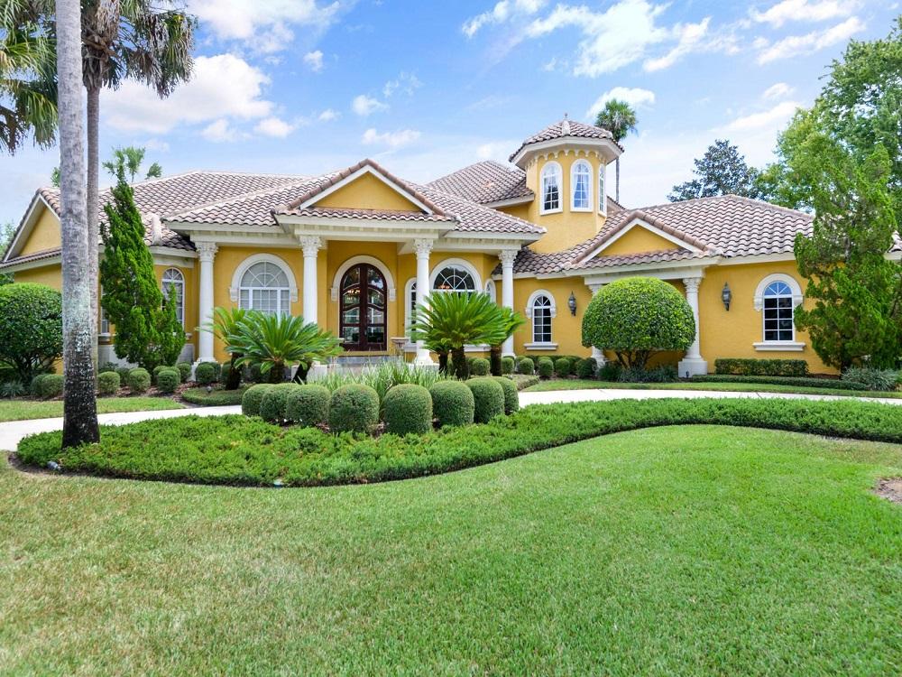 Single Family Home for Sale at Sanford, Florida 5272 Shoreline Circle Sanford, Florida 32771 United States