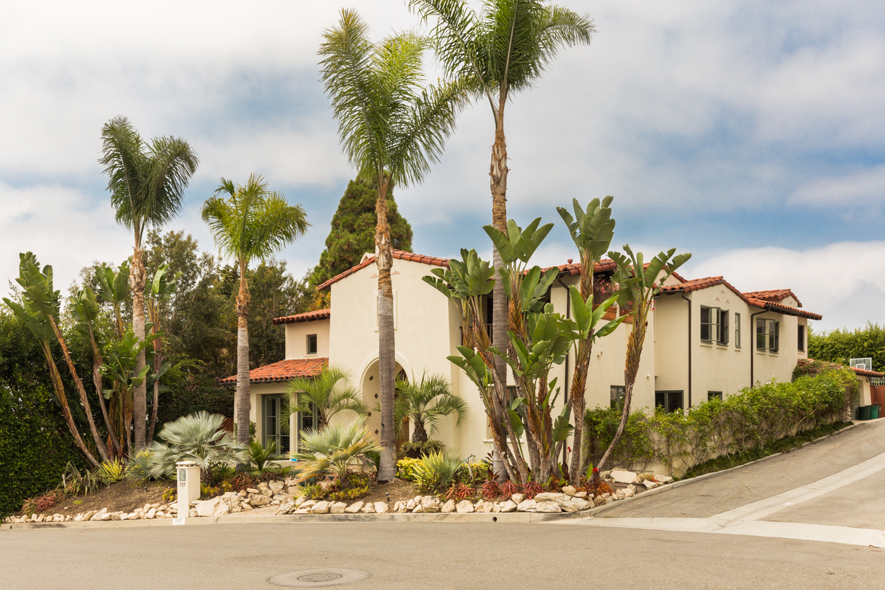 Single Family Home for Sale at Beautiful Spanish Style Home 717 Via Bandini Palos Verdes Estates, California 90274 United States