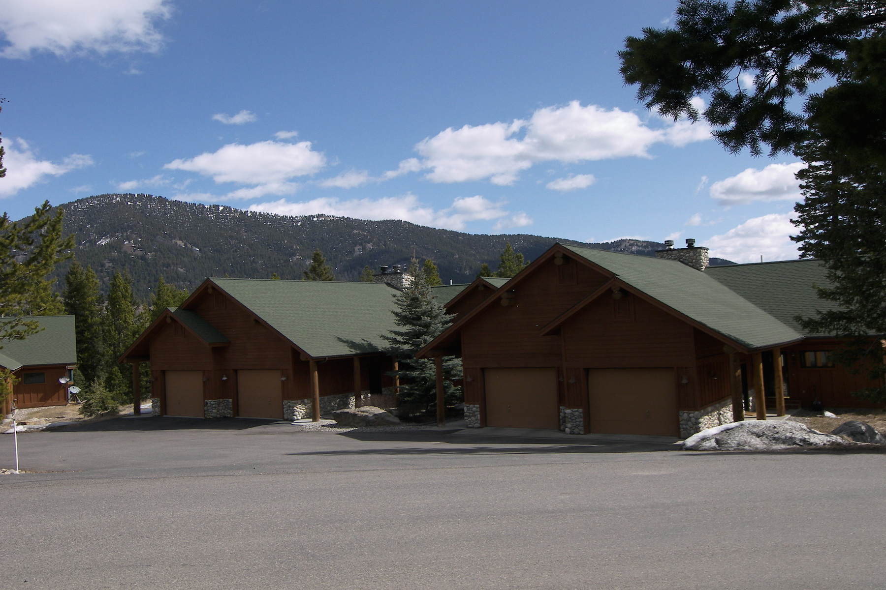 共管物業 為 出售 在 25 Blue Spruce Way 25 Blue Spruce Way Pines Condo B-3 Big Sky, 蒙大拿州 59716 美國