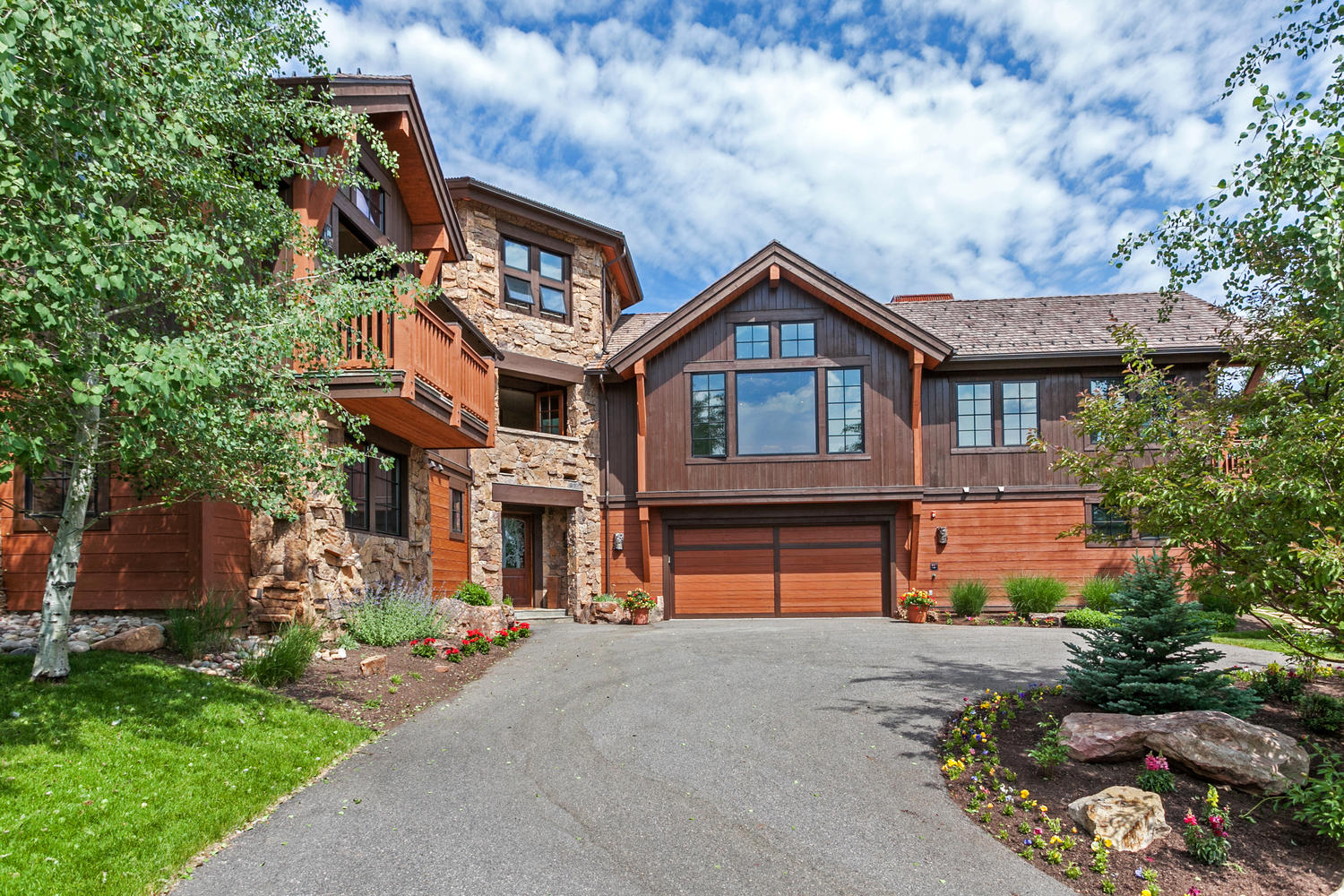Single Family Home for Sale at Stunning Custom Residence 42 Stag Gulch Court Edwards, Colorado, 81632 United States