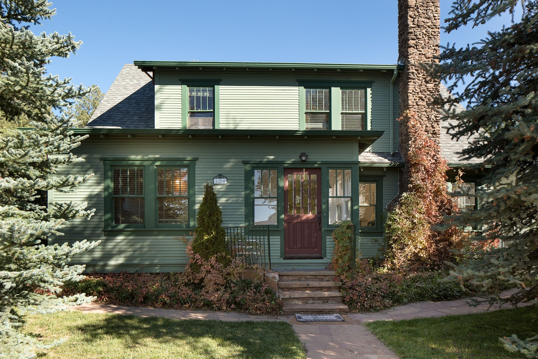Maison unifamiliale pour l Vente à Gorgeous 1906 historic home in downtown Flagstaff 224 N Elden St Flagstaff, Arizona, 86001 États-Unis