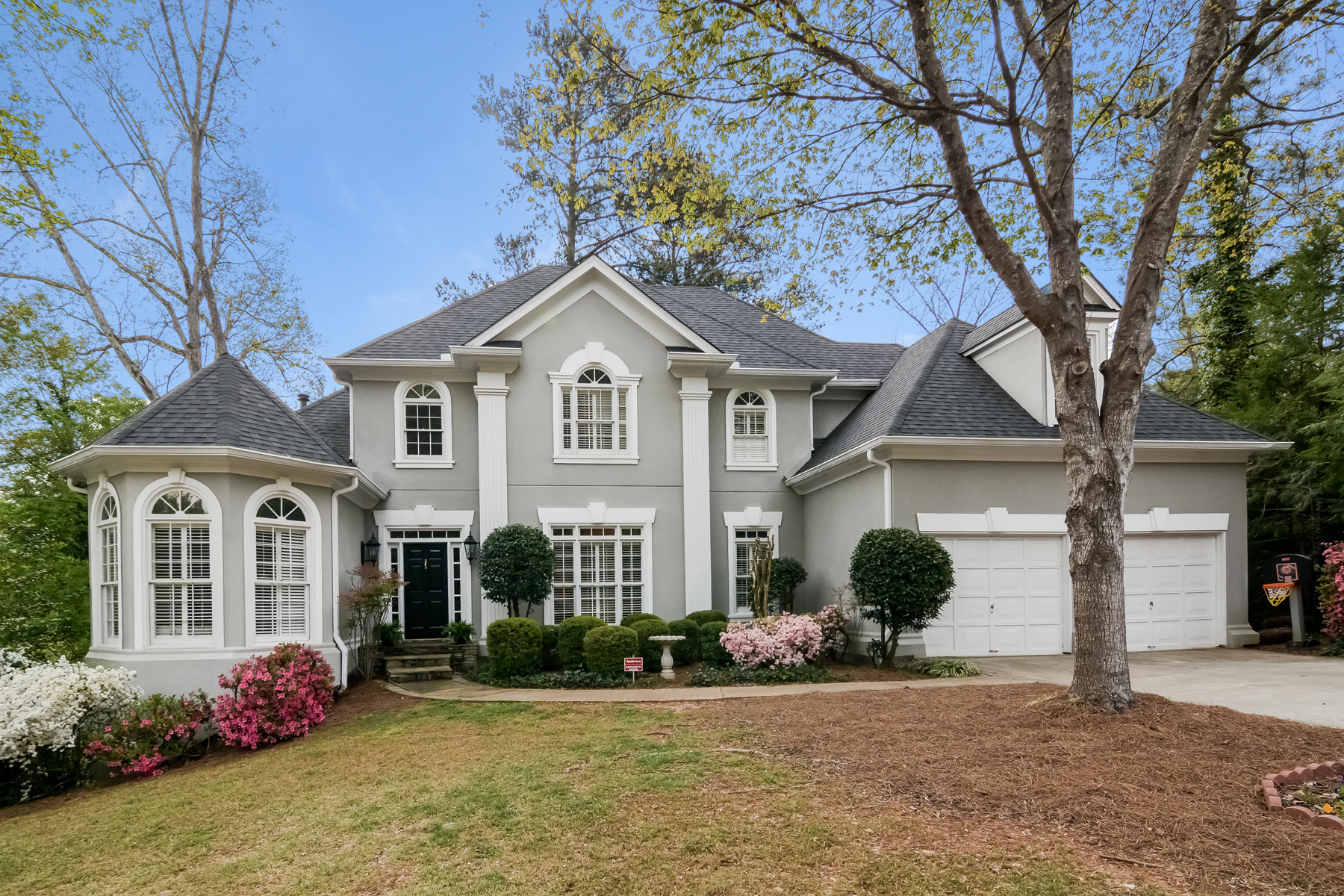 獨棟家庭住宅 為 出售 在 Stunning Executive Brookhaven Home 3882 W Nancy Creek Court NE Brookhaven, Atlanta, 喬治亞州, 30319 美國