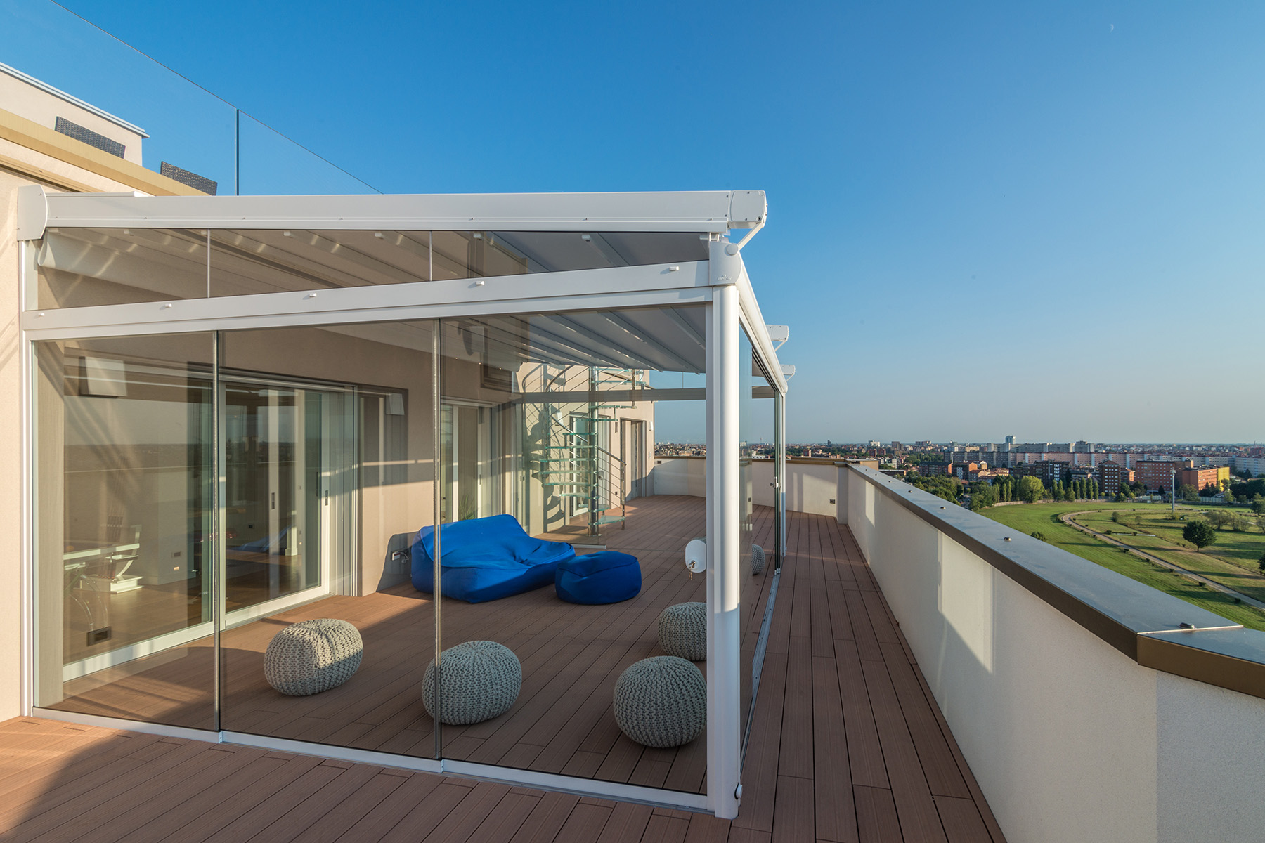 Additional photo for property listing at Unique triplex with panoramic pool and views of the skyline and beyond Via Pinerolo Milano, Milan 20121 Italy