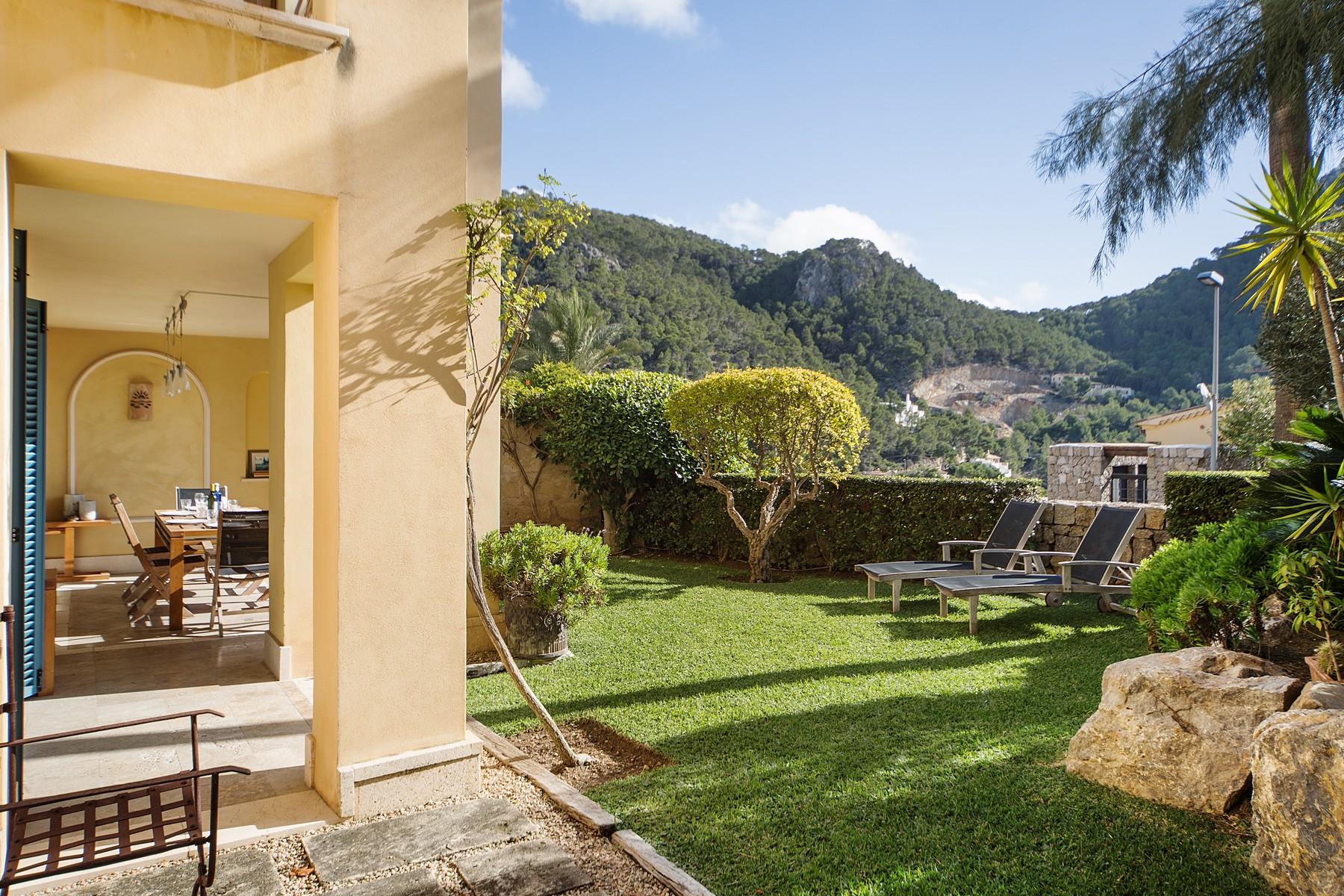Apartamento para Venda às Apartment with private garden in Pto Andratx Other Balearic Islands, Balearic Islands, 07157 Espanha