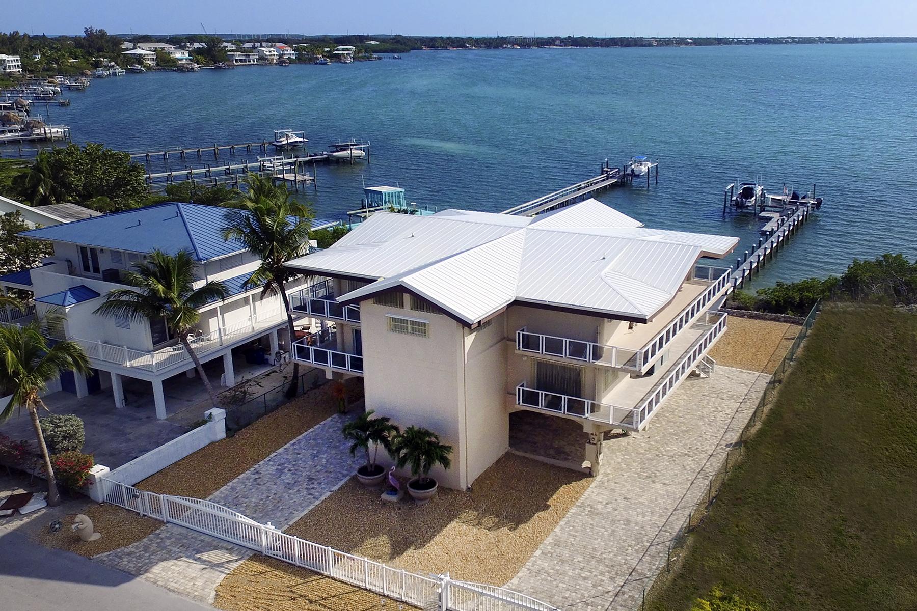 Single Family Home for Sale at Bayfront Pool Home 41 N Bounty Lane Key Largo, Florida, 33037 United States