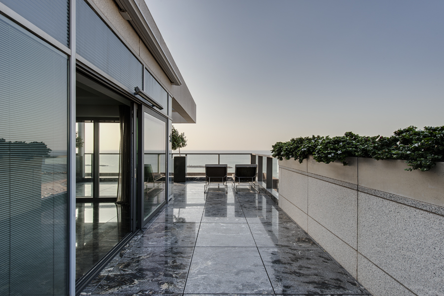Additional photo for property listing at Tel Aviv Penthouse Sea Views  Tel Aviv, Israel 00000 Israël