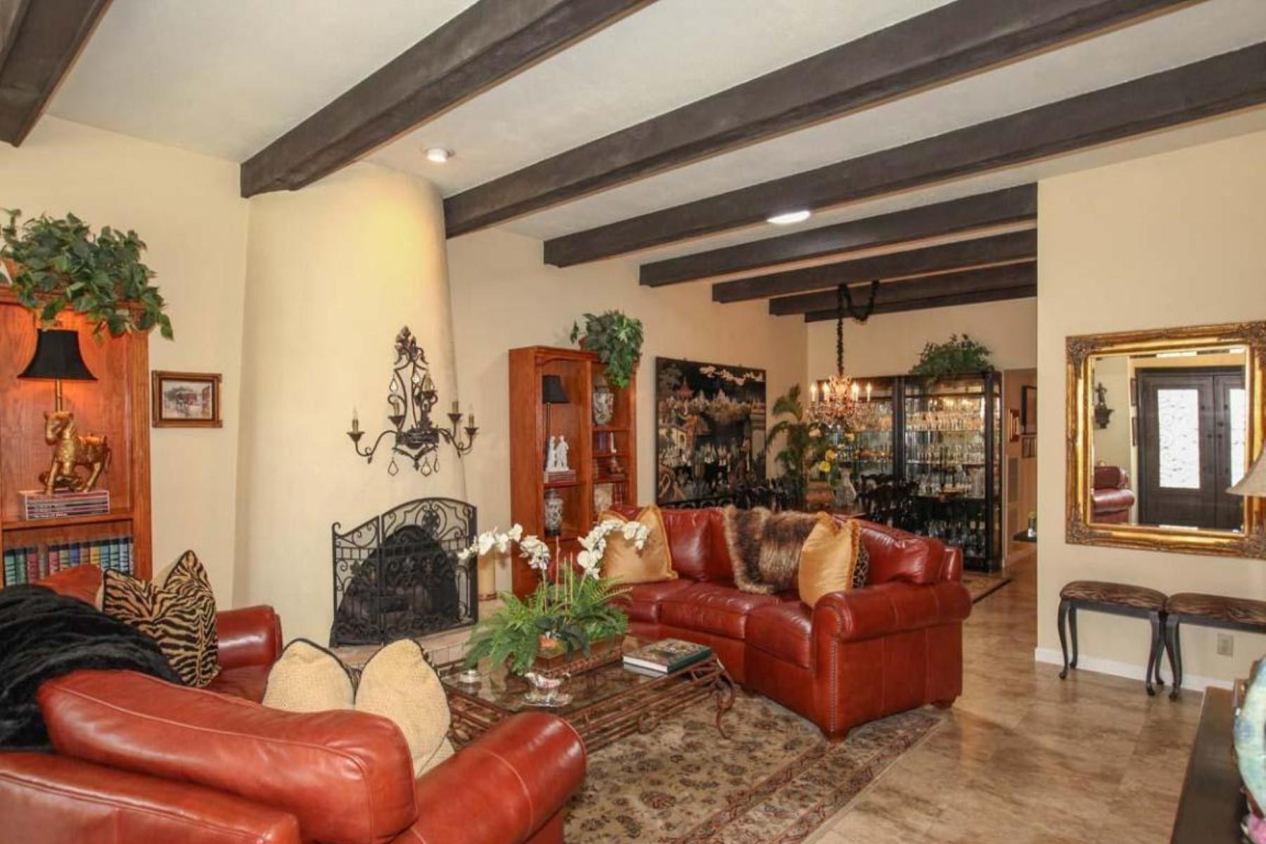 Maison de Ville pour l Vente à Townhome in beautiful Villa Serena. 7167 E MCDONALD DR Paradise Valley, Arizona 85253 États-Unis