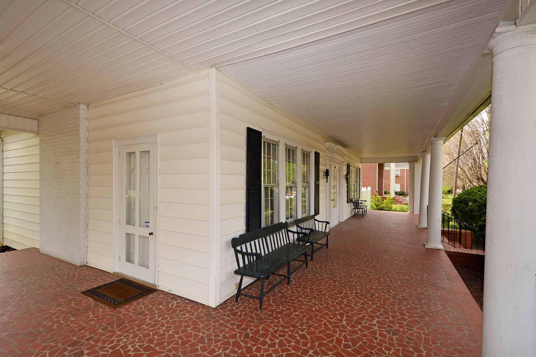 Additional photo for property listing at Bell House 304 N. Main St Warrenton, Carolina Del Norte 27589 Estados Unidos