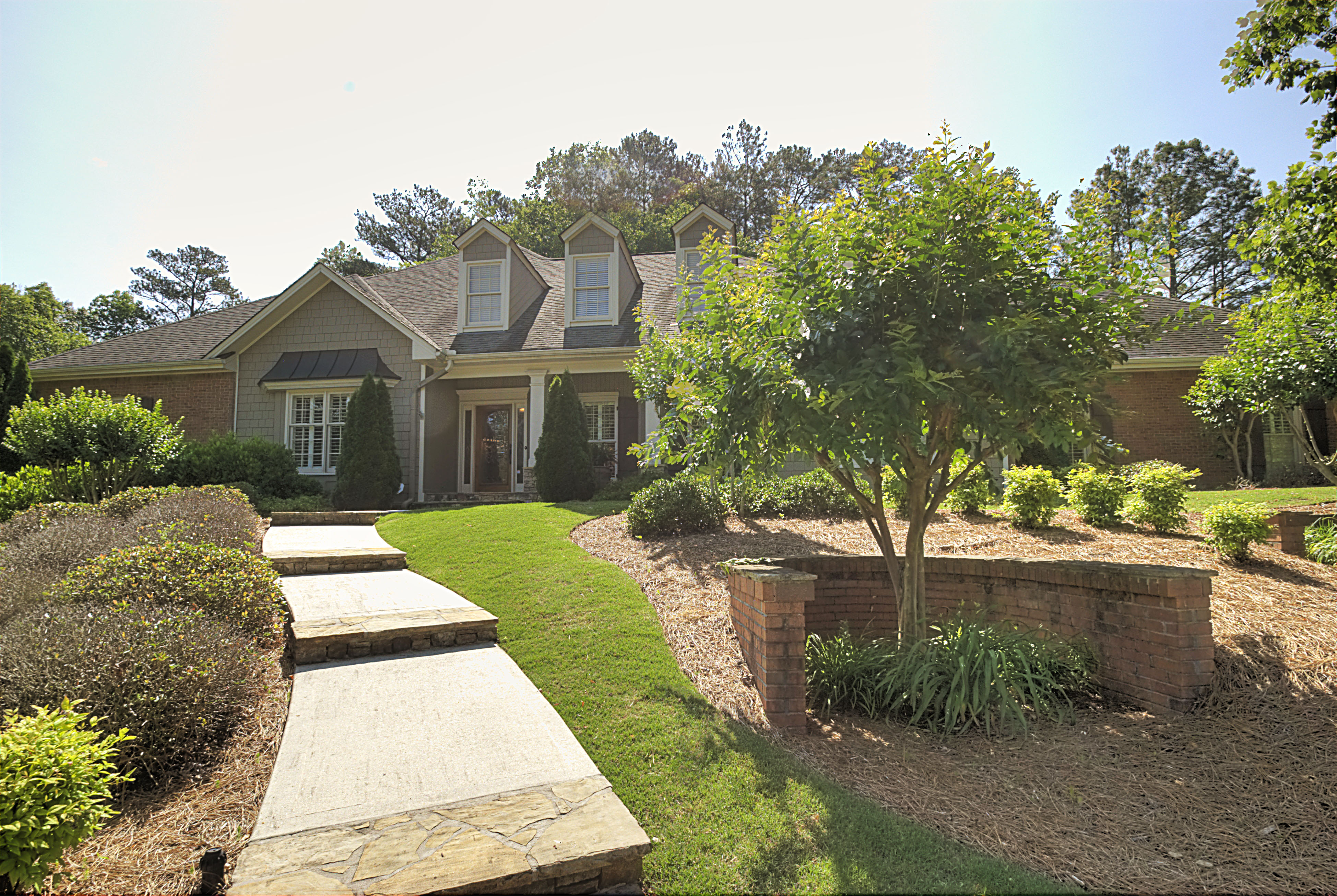 Villa per Vendita alle ore Sophisticated Renovated Showcase 12175 Brookfield Club Drive Roswell, Georgia, 30075 Stati Uniti