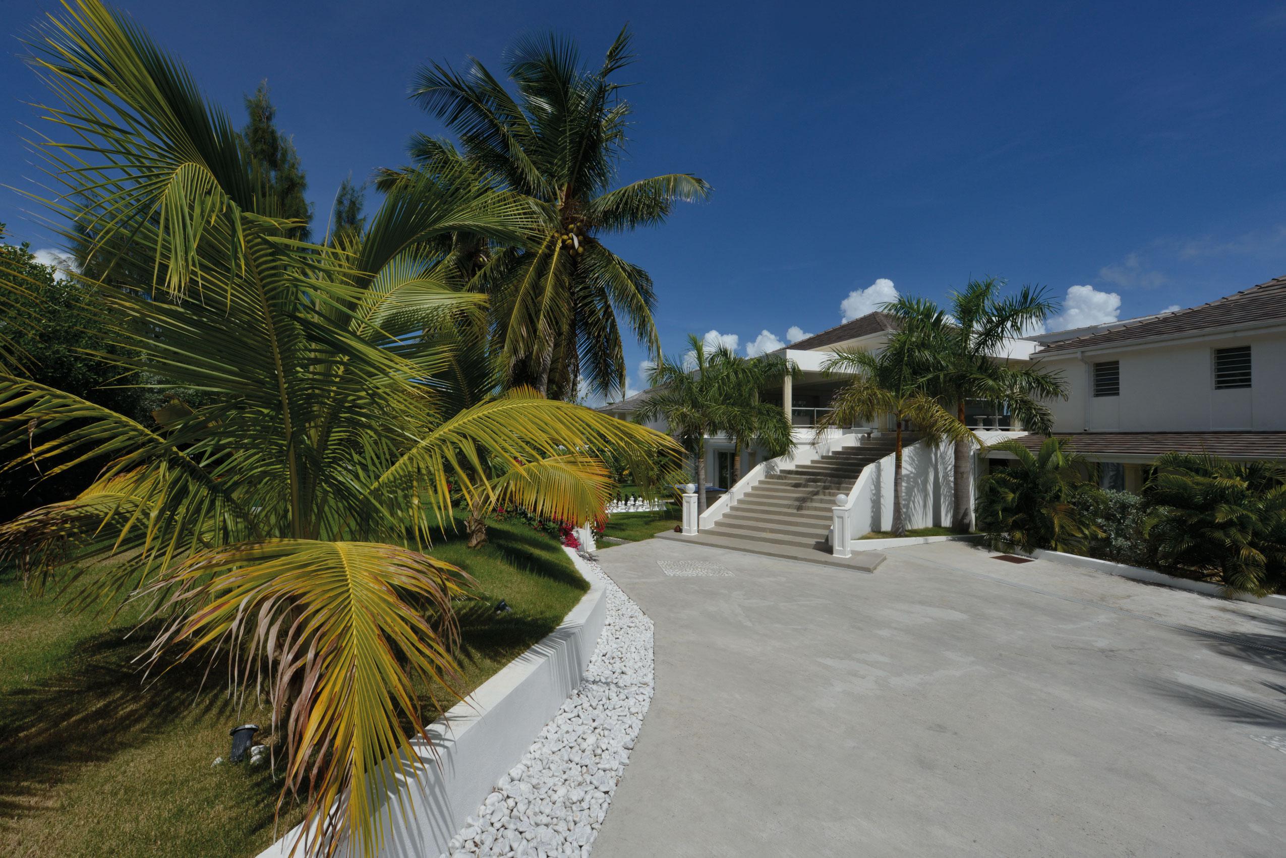 Property Of La Perla Palais