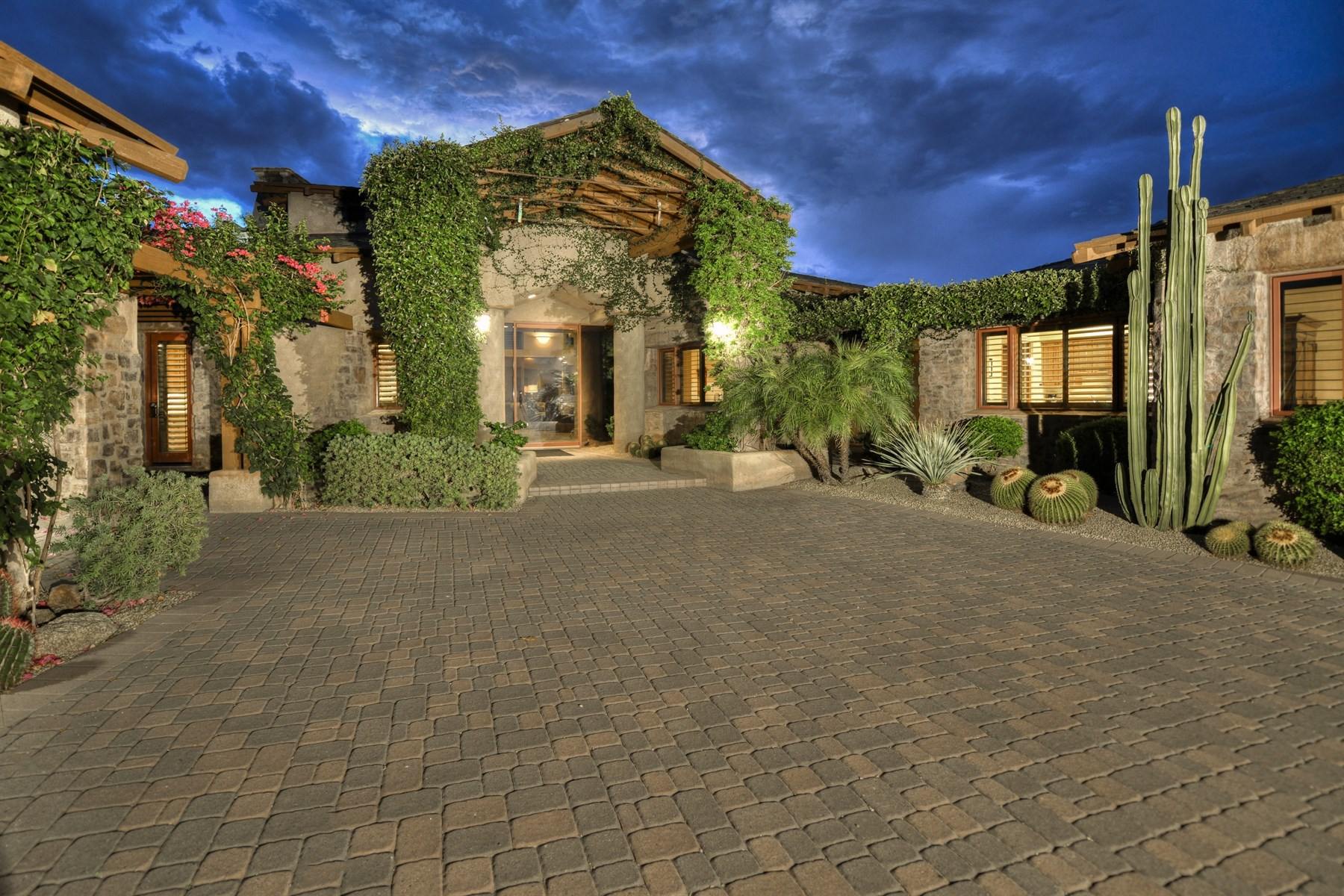 Single Family Home for Sale at Turnkey, Furnished - LaScala Villa in world-renowned Estancia 27962 N 100TH PL 96 Scottsdale, Arizona, 85262 United States