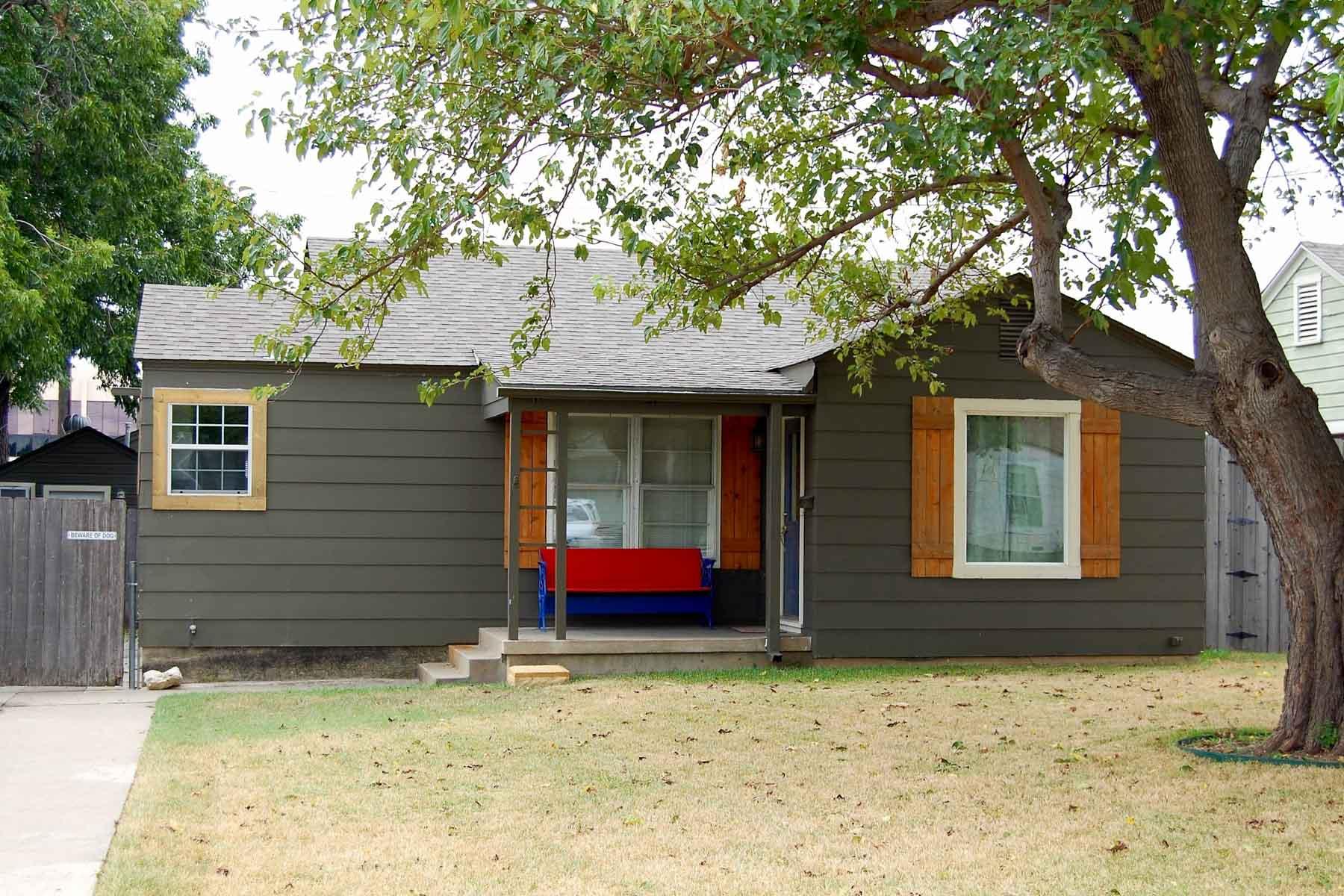 Moradia para Venda às Arlington Heights Cottage 5617 Birchman Avenue Fort Worth, Texas, 76107 Estados Unidos