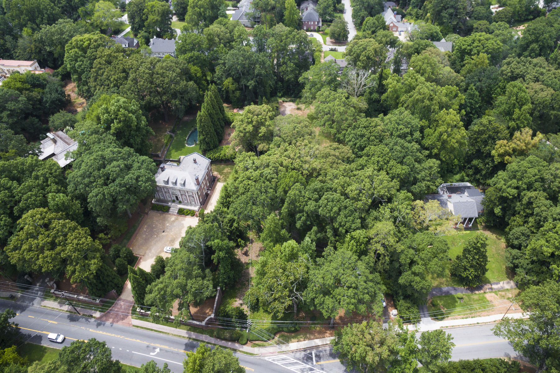Terreno para Venda às Gorgeous 2+ Acre Lot On Atlanta's Prestigious West Paces Ferry Road 524 W Paces Ferry Road Buckhead, Atlanta, Geórgia, 30305 Estados Unidos