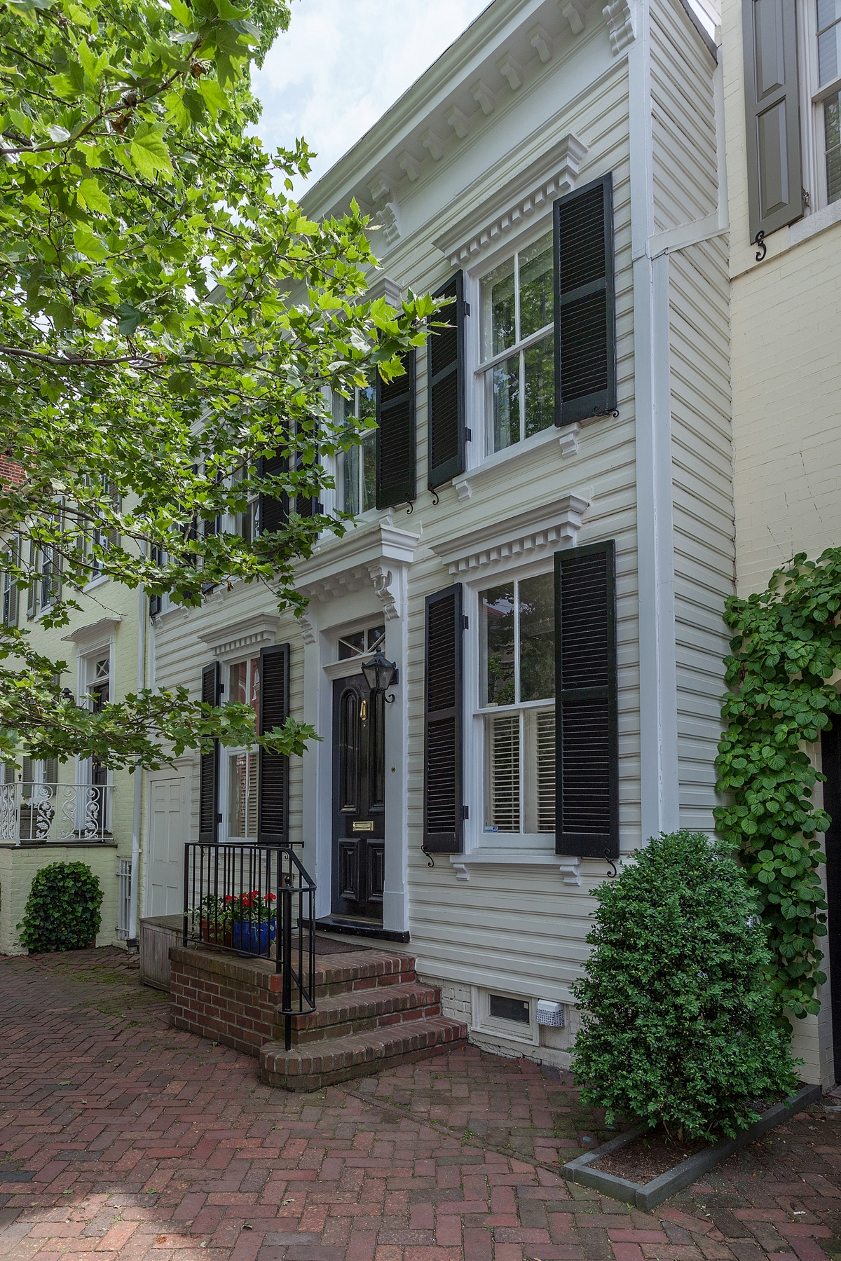 Townhouse for Sale at Georgetown 3136 P Street, NW Washington, District Of Columbia 20007 United States