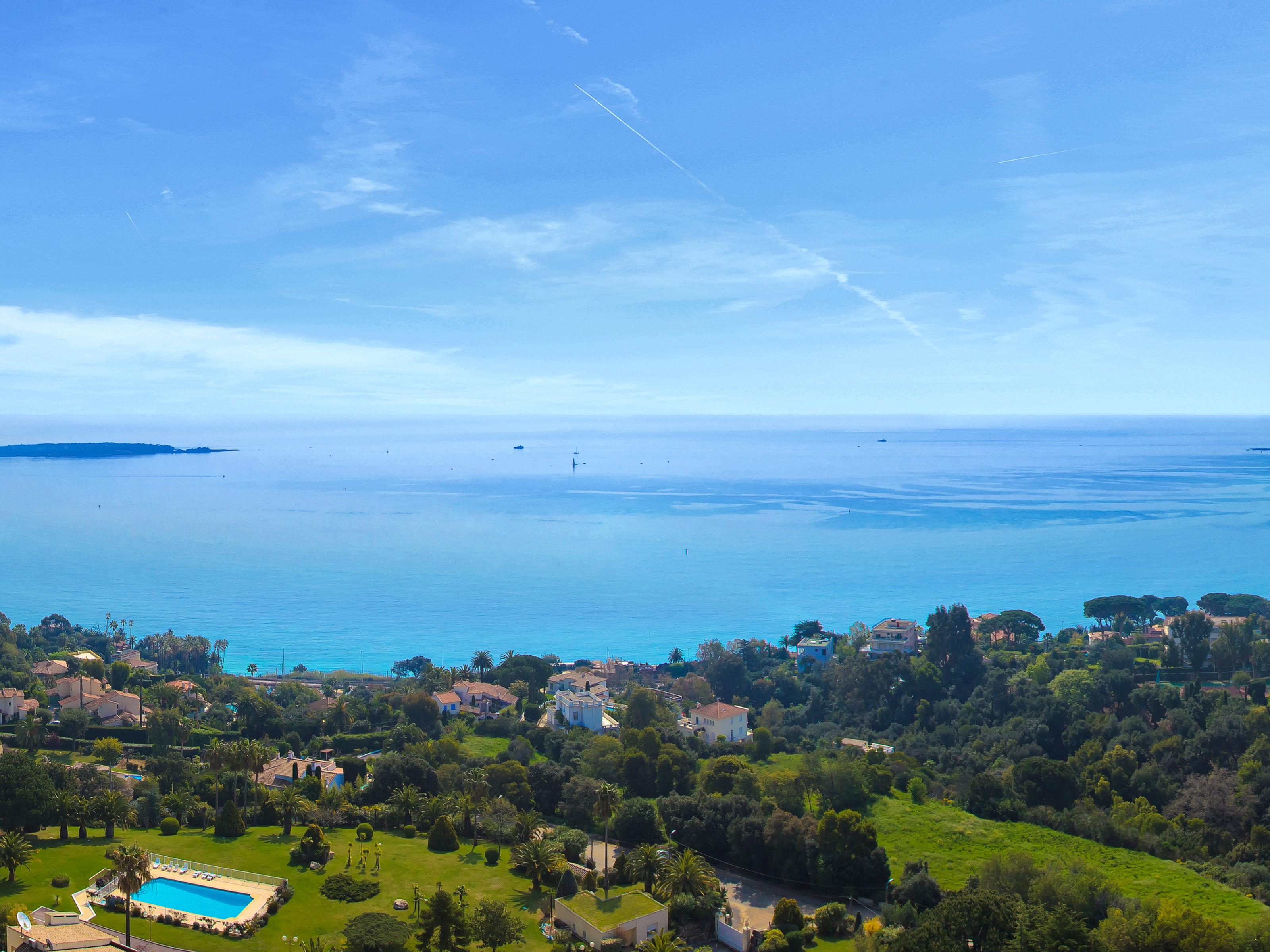 Apartamento para Venda às Beautiful apartment with panoramic sea view Cannes, Provença-Alpes-Costa Azul 06220 França