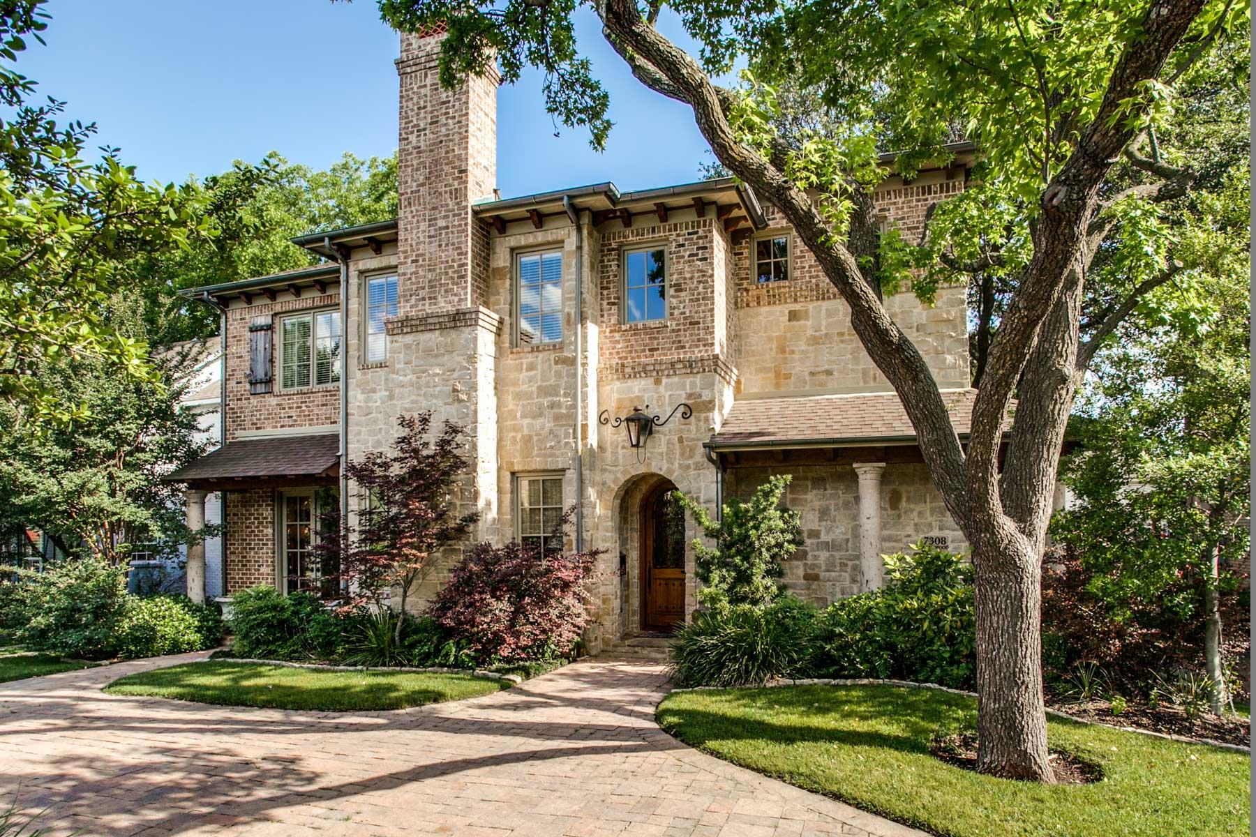 Nhà ở một gia đình vì Bán tại 7308 Wentwood Drive Dallas, Texas, 75225 Hoa Kỳ