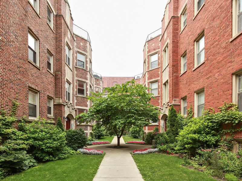 Property For Sale at Spacious & Attractive Condo