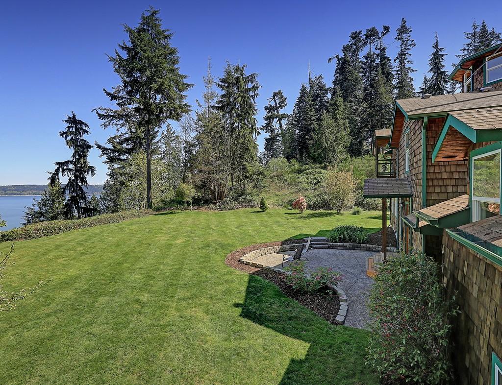Maison unifamiliale pour l Vente à Camano Island Lodge 2681 S. East Camano Dr Camano Island, Washington, 98282 États-Unis